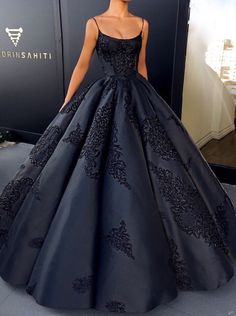 Prom Dress Princess, 2018 Ball Gown Prom Dress Modest Beautiful Vintage Cheap Long Prom Dress Shop ball gown prom dresses and gowns and become a princess on prom night. prom ball gowns in every size, from juniors to plus size. Straps Prom Dresses, Ball Gowns Prom, Modest Dresses, Pretty Dresses, Formal Dresses, Long Dresses, Dress Prom, Formal Prom, Elegant Dresses