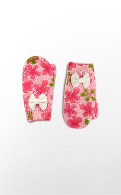 When your little one is walking in a winter wonderland, our Toasty Mittens will keep those little fingers warm. We love how our festive prints bring extra cheer to the winter season!