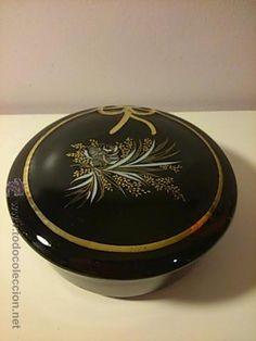 caja bombonera o joyero. negra y pan de oro, pintado a mano