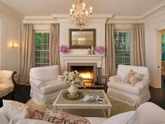 Shabby chic living room in Jessica Simpson's Beverly Hills home, designed by Rachel Ashwell. Shabby Chic Living Room, House Styles, Home And Living, Shabby Chic Decor, Chic Living Room, House Interior, Shabby Chic Furniture, Shabby Chic Homes, Chic Furniture