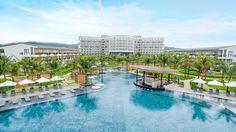 Với 3.999.000 đồng/khách bạn sẽ được nghỉ dưỡng 3N2Đ tại những resort, khách sạn sang chảnh nhưSol Beach House Phú Quốc,Novotel Phú Quốchay FLC Luxury Quy Nhơn, đặc biệt giá này đã bao gồm luôn vé máy bay. Còn chần chừ gì mà không tận hưởng kì nghỉ rực rỡ thôi nào.  Hè đi Phú Quốc, Quy Nhơn:...