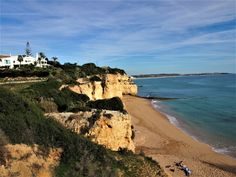 We leave Albufeira and start our Silves 2 day tour, day 11 of our Algarve tour. Silves is a medieval town set amidst the mountains and the coast of the Algarve. Algarve, Parc Hotel, Visit Portugal, Medieval Town, Day Tours, Old Town, Grand Canyon, Succulents, Places To Visit