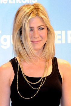 Alert! Breaking Hair News: Jennifer Aniston Has A New Bob Haircut!: Girls in the Beauty Department