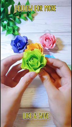 Easy Paper Flowers, Paper Flower Tutorial, How To Make Flowers Out Of Paper, Mexican Paper Flowers, Flower Paper, Cool Paper Crafts, Paper Crafts Origami, Flower Crafts, Craft Flowers