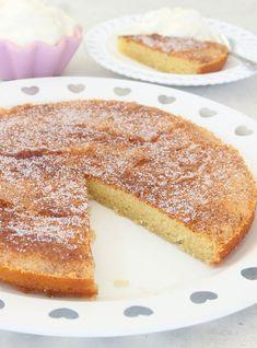 Kanelbullekladdkaka – Lindas Bakskola Cinnamon Bun Cake, Food Cakes, Cakes And More, Cake Recipes, French Toast, Food And Drink, Breakfast, Glass, Coffee