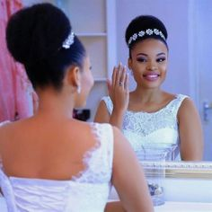 Beautiful in a classic bun,we used her natural hair to achieve this beautiful look. Black Brides Hairstyles, African Wedding Hairstyles, Natural Wedding Hairstyles, Afro Hairstyles, Bride Hairstyles, Bridal Hair Buns, Bridal Hair And Makeup, Natural Hair Wedding, Curly Hair Styles