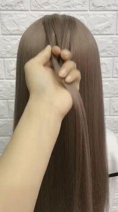Hairdo For Long Hair, Long Hair Video, Bun Hairstyles For Long Hair, Simple Hairstyles For Medium Hair, Super Easy Hairstyles, Fast Hairstyles, Braided Hairstyles Tutorials, Front Hair Styles, Medium Hair Styles