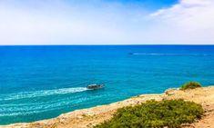 Prezzi case in Algarve Portogallo 2019: località e case in vendita Algarve, Villa, Waves, Outdoor, Outdoors, Ocean Waves, Outdoor Games, The Great Outdoors, Fork