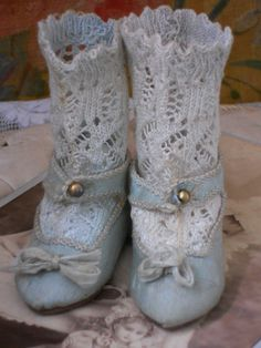 Rare French Aqua Silk Sateen Jumeau Shoes with Socks (item detailed views) Old Dolls, Antique Dolls, Vintage Dolls, Vintage Shoes, Vintage Outfits, French Silk, Old Shoes, Doll Shop, Doll Accessories