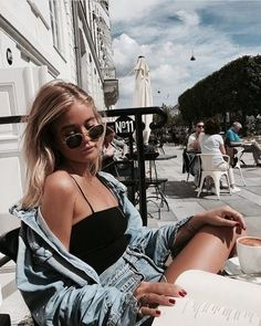 BusipostsTod durch Elocution: Foto – CerenHigh-End-Street-Fashion – Street Style Looks to Copy Now – Ceren Ozak Style Outfits, Cute Outfits, Foto Fashion, 90s Fashion, Urban Fashion, Fashion Clothes, Latest Fashion, Fashion Outfits, Womens Fashion