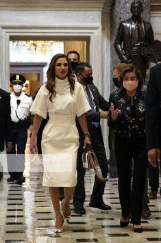 Queen Rania, Royal Fashion, Shirt Dress, Lady, Royal Style, Shirts, Royalty, Dresses, Posts