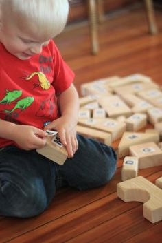 Recognizing letters with building blocks!