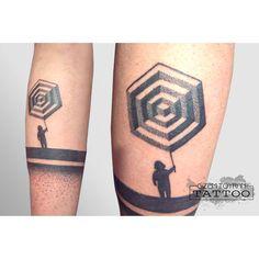 geometric cube point tattoo