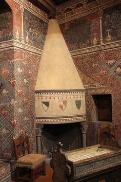 Museo della Casa Fiorentina Antica - Firenze - Camera delle impannate: il camino