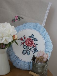 vintage round pillow Round Pillow, Plates, Pillows, Sewing, Tableware, Vintage, Licence Plates, Bed Pillows, Dishes