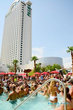 memorial day pool parties in vegas