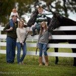 Family Portraits with Horses Country Family Photos, Fall Family Pictures, Family Picture Poses, Family Posing, Family Portraits, Family Pics, Picture Ideas, Photo Ideas, Farm Family