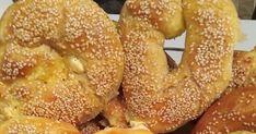 Τυροκούλουρα!!! Μην μου ζητήσετε να σας το δείξω και κομμένο δεν υπάρχει ψίχουλο Υλικά για τη ζύμη που είναι εγγύηση πιο αφράτη δεν υπ... Bagel, Food, Essen, Meals, Yemek, Eten