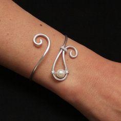 jewelry making ideas | Jewelry Making Ideas / Bracelet en aluminium argenté et perle de ...