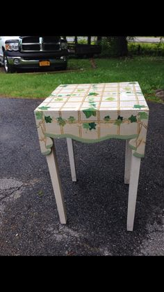 Outdated table with an outdated look.