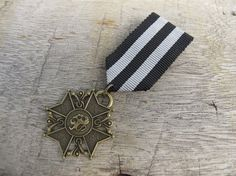 Military Black And White Strip Ribbon Bronze Star Medal Brooch Custom Jewelry with safety pin for clothing decoration