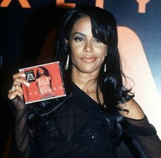 Fanpage dedicated to the late, great & beautiful Aaliyah Dana Haughton. Forever In Our Hearts ☥ Aaliyah Albums, Aaliyah Singer, Rip Aaliyah, Aaliyah Style, Aaliyah Pictures, Hip Hop, Aaliyah Haughton, Music Photo, Beautiful Black Women