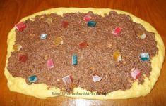 Cozonac cu nuca si rahat - Bunătăți din bucătăria Gicuței Pie, Cookies, Desserts, Food, Torte, Crack Crackers, Tailgate Desserts, Pastel, Biscuits
