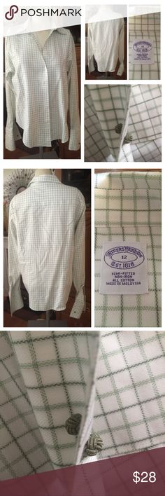 BROOKS BROTHERS Semi-Fitted No-Iron Cotton Shirt This super sharp clean and crisp BROOKS BROTHERS Semi-Fitted No-Iron Cotton Shirt is in a white and sage green petite plaid pattern. Sleeves have matching green fabric knot Cufflinks, but feel free to change them up! In excellent, like new condition. Size 12. Brooks Brothers Tops Button Down Shirts