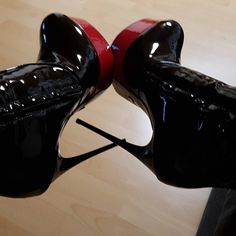 This Shoes Make me horny #shoeporn #shoesaholic #highheelboots #giaro #meninheels #highheelslover #hothighheelsmistress Extreme High Heels, Very High Heels, Hot High Heels, High Heels Stilettos, Pumps, Thigh High Boots Heels, Heeled Boots, High Platform Shoes, Shiny Shoes