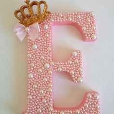 Discover thousands of images about Inicial da minha princesa Elisa na porta do seu quarto! 👑 By Linda Houri - lindahouri Letter A Crafts, Wood Letters, Monogram Letters, Letters And Numbers, Diy And Crafts, Kids Crafts, Baby Shower Decorations, First Birthdays, Kids Room
