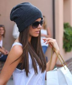 Kate Beckinsale is my idol! I love the hat with the tank and sunglasses