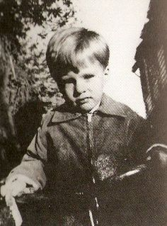 Little Ricky. So adorable. Ricky Nelson, Buddy Holly, A Child Is Born, Hooray For Hollywood, Great Albums, Youtube Stars, Pretty Eyes, Children And Family, Pop Music