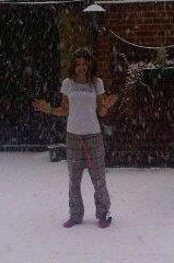 omg gurl @Eleanor Calder how are you not freezing to death?? hahahaha