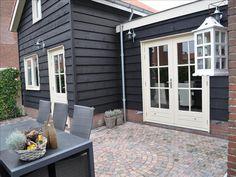 ... Exterior Paint, Exterior Design, Garden Living, Home And Garden, Annex Ideas, Outdoor Living, Outdoor Decor, Facade House, Black House