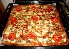 Pizza in blat de paine Flatbread Pizza, Feeling Hungry, 30 Minute Meals, Pepperoni, Tasty, Cooking, Food, Meal, Kochen