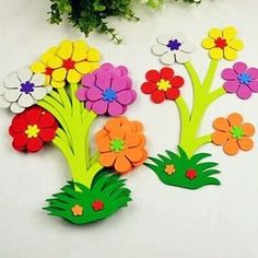 paper craft Picture consequence for classroom flowers Article Physique: Flowering panorama timber ar Kids Crafts, Mothers Day Crafts For Kids, Spring Crafts For Kids, Preschool Crafts, Arts And Crafts, Candy Flowers, Paper Flowers Craft, Flower Crafts, Paper Crafts