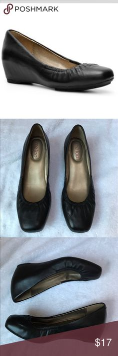 "Me Too ""Jetty"" Wedge Me Too black  ""Jetty"" Wedge size 7.  Excellent condition. Leather upper, cushioned insole. me too Shoes"
