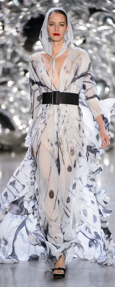 Naeem Khan Spring-summer 2019 - Ready-to-Wear New Fashion Trends, Love Fashion, High Fashion, Fashion Looks, Fashion Design, Ladies Fashion, Naeem Khan, Style Couture, Couture Fashion