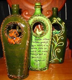 "special flasks for ""pálinka"" - Hungarian folk pottery Traditional Fabric, Traditional Paintings, Traditional Art, Ceramic Pottery, Ceramic Art, I Dream Of Genie, My Heritage, Clay Creations, Clay Art"