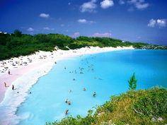 6. Horseshoe Bay – Bermuda is perhaps the most famous beach in Bermuda. It has been rated the #8 beach in the world. A very popular tourist spot, it lies on the main island's south (Atlantic ocean) coast, in the parish of Southampton. The sand of the beach is very fine and displays a very white colour.