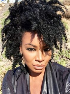 Showing love to natural hair queens of all colors, races, nationalities, textures, & sizes. Almost all of the women here are rocking their own real natural hair. Natural hair does grow. Pelo Natural, Natural Hair Care, Natural Hair Styles, Natural Curls, Natural Beauty, African Hairstyles, Afro Hairstyles, Hairstyles Videos, Simple Hairstyles