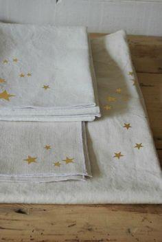Gold on linen Twinkle Star, Twinkle Twinkle, Have A Sweet Dream, Harry Potter Nursery, Linen Cupboard, Sharpie Crafts, Linen Towels, Easy Entertaining, Silhouette Portrait