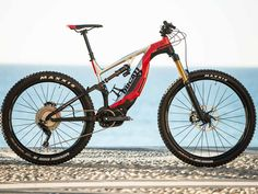 Not only in high-end big bike. This Italy's brand, Ducati… create Electronic Mountain Bike. Technically, this e-bike have a full suspension. This e-bike called Ducati MIG-RR. E Mountain Bike, Electric Mountain Bike, Electric Bicycle, Mountain Trails, Mtb Downhill, E Mtb, Motocross, Giant Trance, Rs4