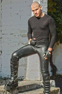 Hot boots and leather jeans! Tight Leather Pants, Leather Trousers, Biker Leather, Leather Jackets, Black Leather, Leather Fashion, Mens Fashion, Leder Outfits, Hipster