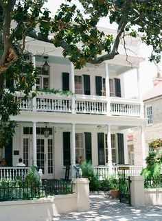 Charleston, South Carolina ~ Husk Restaurant one of my fav! This would be such a beautiful house Southern Homes, Southern Living, Southern Charm, Dream Vacations, Vacation Spots, Vacation Travel, Vacation Places, Vacation Ideas, Beautiful Homes