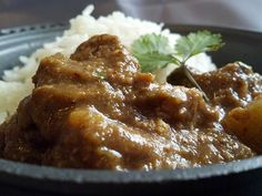 Así queda el curry Massaman servido. Bastante más atractivo que la pasta sola.