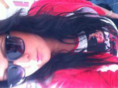 OTOD Veste rouge tailleur H Tshirt Babou- Lunettes RayBan