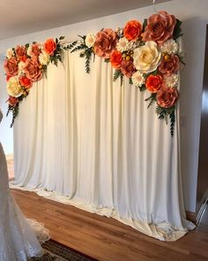 If you need wedding backdrop ideas, you come to the right place, because we have rounded up about 40 Beautiful Paper Flower Wedding Backdrop Ideas you can copy. Paper Flower Backdrop Wedding, Flower Wall Wedding, Paper Flower Wall, Wedding Paper, Wedding Flowers, Paper Backdrop, Backdrop With Flowers, Wedding Backdrops, Diy Wedding