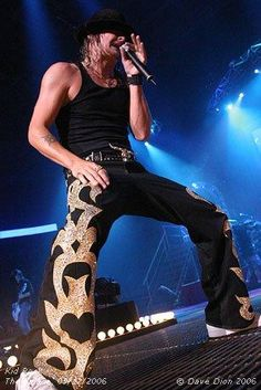 Kid Rock love the pants but would look better on Steven  Tyler!