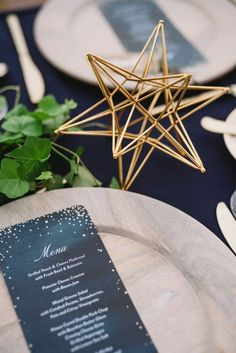 I really like the table set up combining greenery + a celestial theme. I would probably do a neutral colored tablecloth or a bare wood table for our wedding though. Starry Night Wedding, Moon Wedding, Celestial Wedding, Midnight Wedding, Wedding Blog, Diy Wedding, Wedding Venues, Wedding Ideas, Small Intimate Wedding